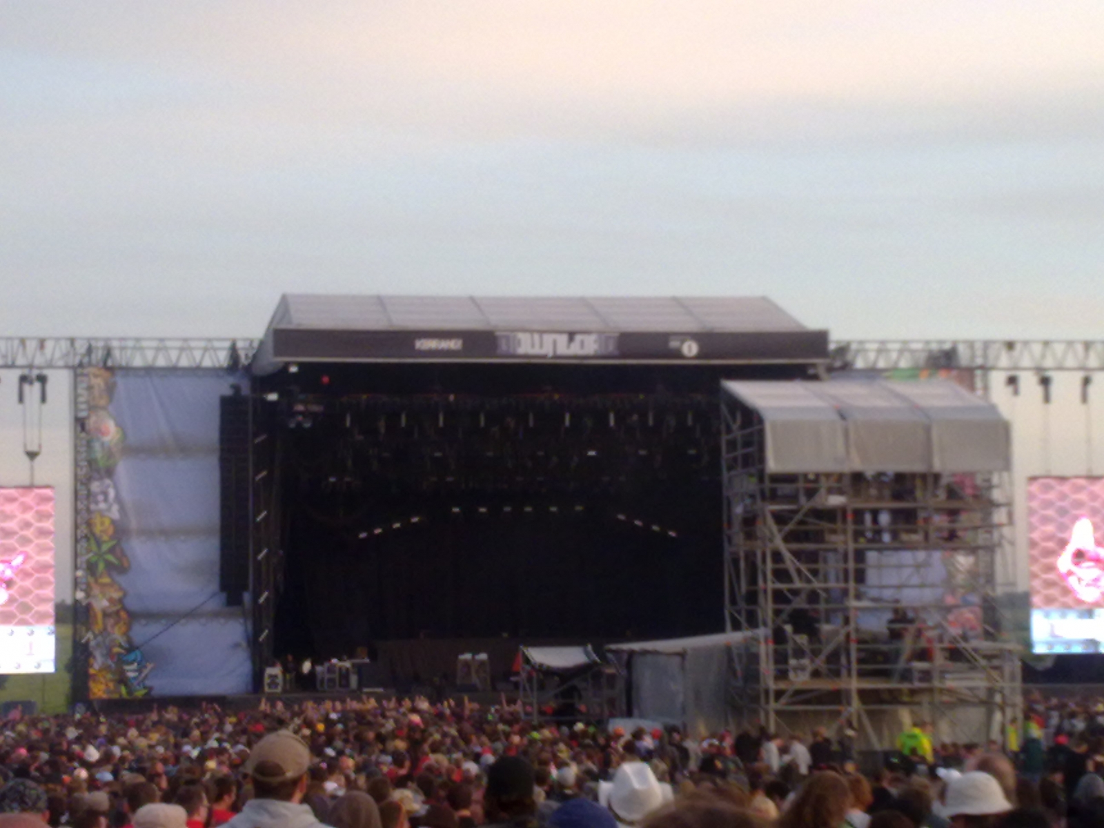 Download Festival 2010 - Experimental Engineering